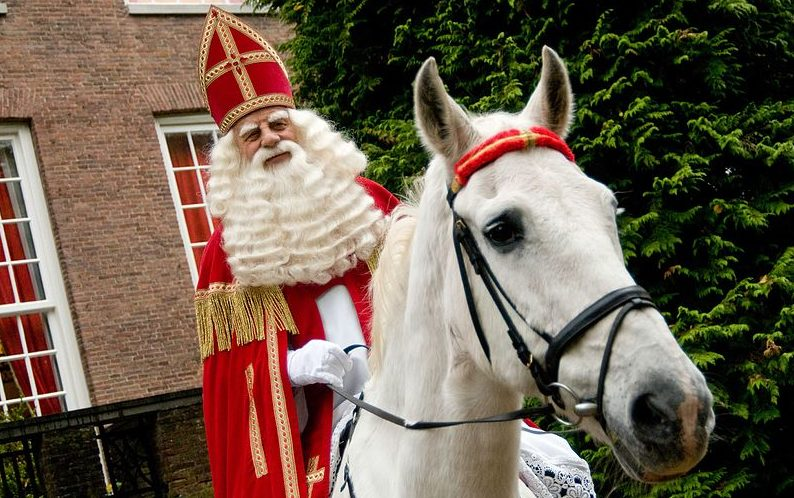 Sinterklaas drawing lots